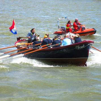 Team Nesselande in actie op de Hollandse IJssel